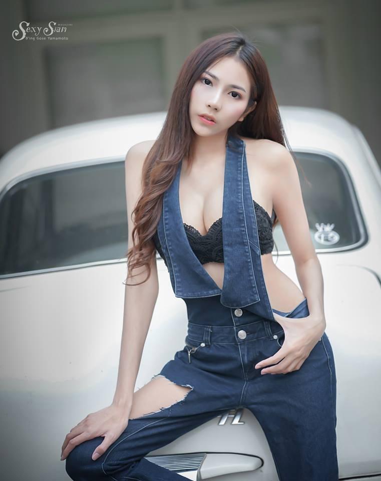 Người đẹp Thái Lan khoe làn da trắng bóc, thả dáng nuột nà bên xế cổ - 9