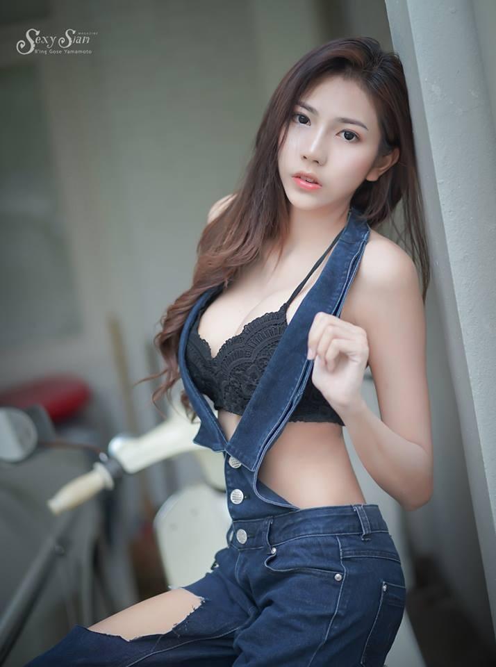 Người đẹp Thái Lan khoe làn da trắng bóc, thả dáng nuột nà bên xế cổ - 10