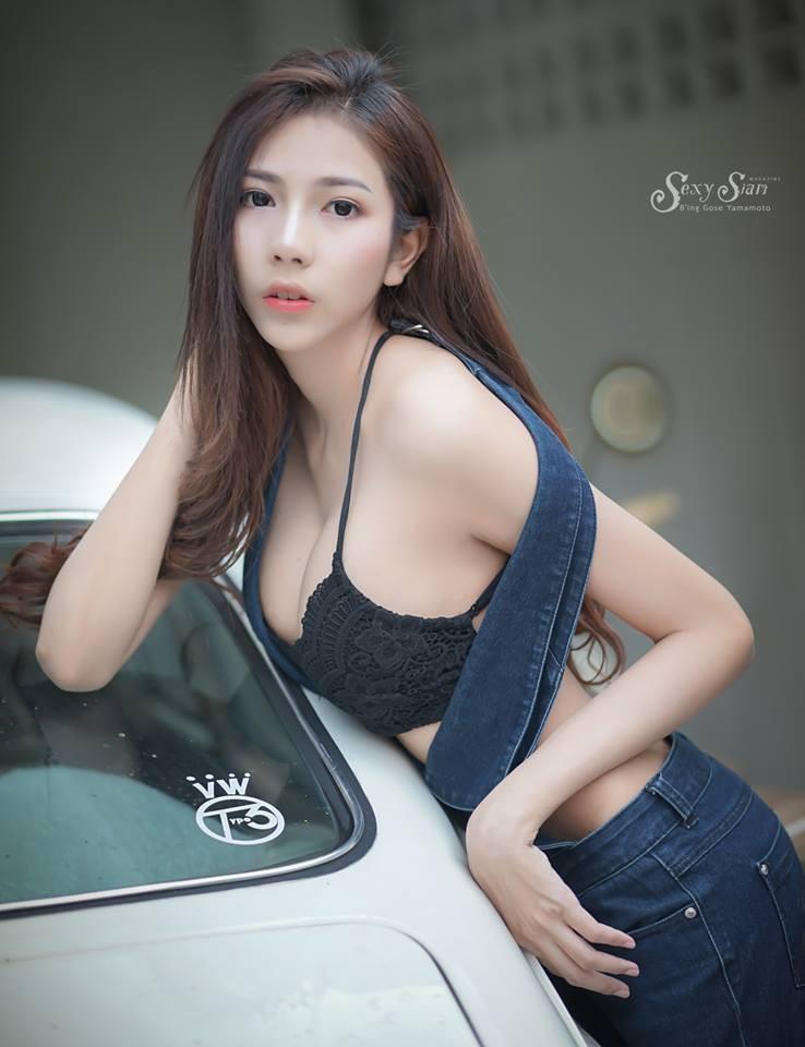 Người đẹp Thái Lan khoe làn da trắng bóc, thả dáng nuột nà bên xế cổ - 12