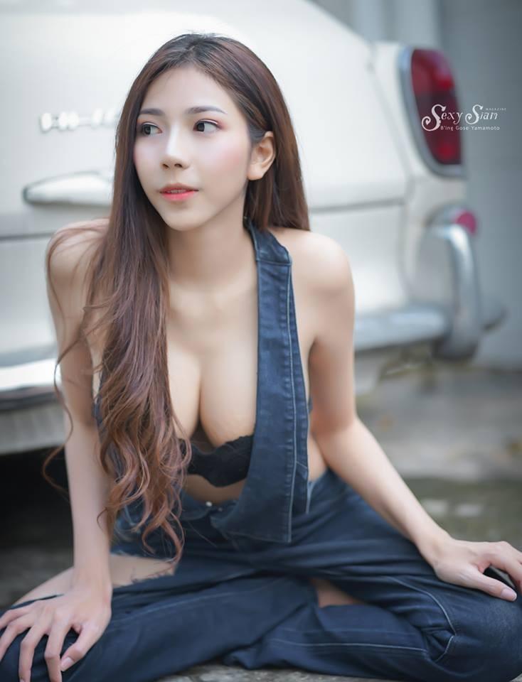 Người đẹp Thái Lan khoe làn da trắng bóc, thả dáng nuột nà bên xế cổ - 2