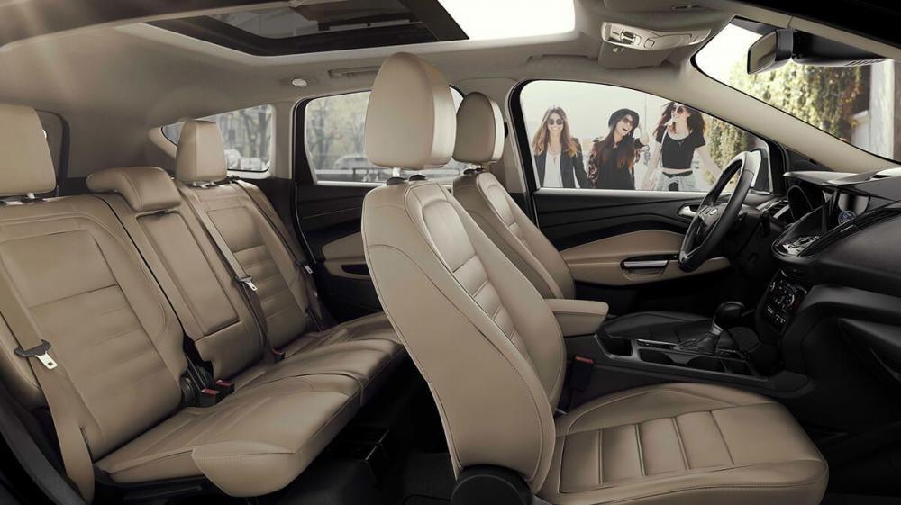Không gian nội thất của Ford Escape