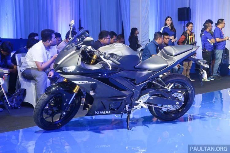Điểm nổi bật đáng chú ý hơn cả ở phiên bản mới này thì Yamaha R3 và R25 đều đã được trang bị cho cặp phuộc USD cỡ lớn