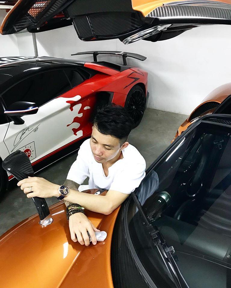 Lamborghini Aventador SV và Pagani Huayra hiện là cặp đôi siêu xe còn xót lại trong garage của Minh Nhựa