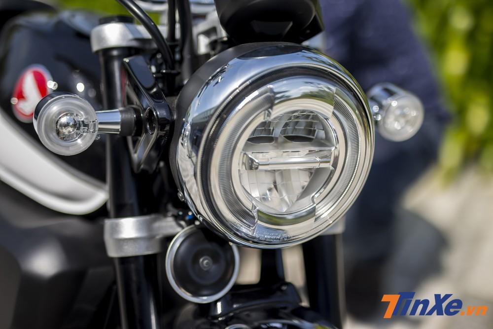 Thế nhưng một số công nghệ hiện đại đã được tích hợp lên mẫu xe Honda Monkey này. Và dễ dàng nhận thấy nhất là đèn chiếu sáng dạng LED, xi nhan LED và cả đèn hậu cũng là dạng LED.