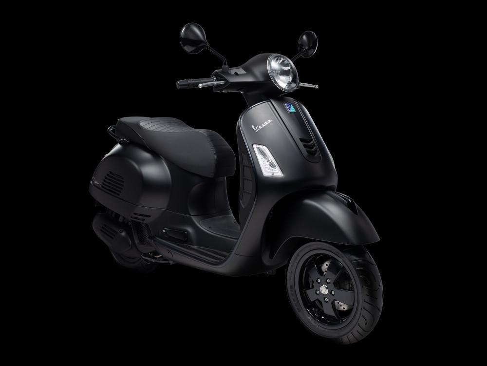 Vespa GTS Notte 150cc
