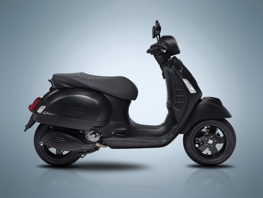 Vespa GTS Notte 300cc