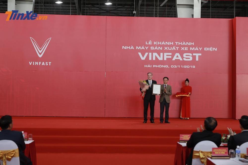 VinFast chính thức giới thiệu sản phẩm xe điện đầu tay mang tên gọi Klara