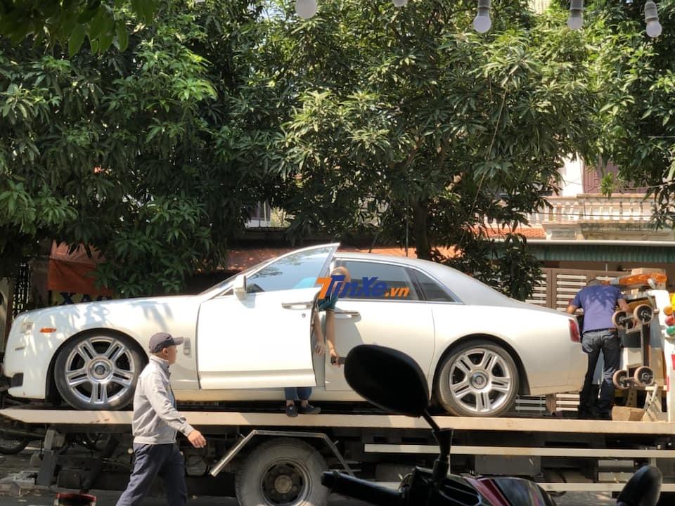 Chiếc xe siêu sang Rolls-Royce Ghost Series II độc nhất Nghệ An tái xuất trên đường phố vào cuối tuần vừa qua