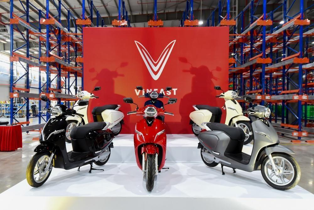 Xe máy điện Vinfast Klara có giá là 34 triệu cho bản tiêu chuẩn và 57 triệu cho bản cao cấp
