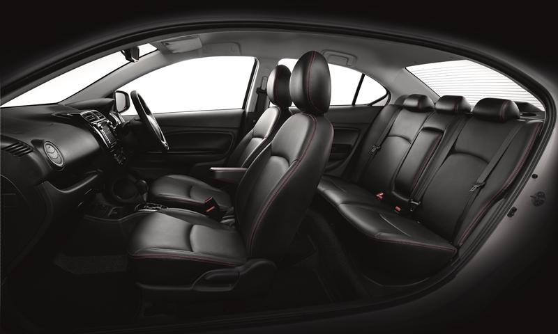 Mitsubishi Attrage 2019 bản cao cấp được trang bị nội thất bọc da màu đen
