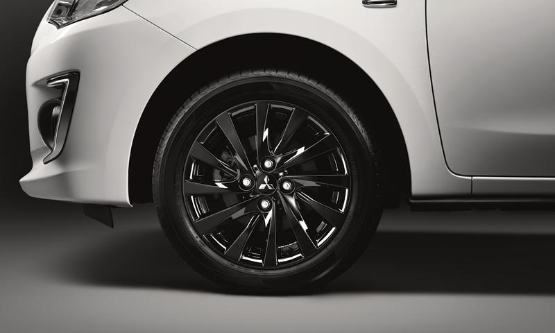 Cận cảnh bộ vành hợp kim 15 inch của Mitsubishi Attrage 2019