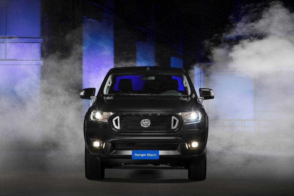 Ford Ranger Black Edition được trang bị lưới tản nhiệt mới