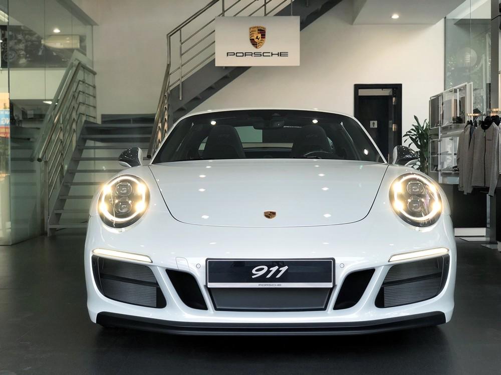 Cảm nhận nhanh xe thể thao mui trần Porsche 911 Targa 4 GTS 2018 hơn 11 tỷ đồng về Việt Nam