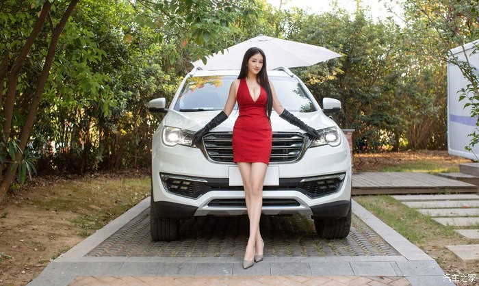 Uất ức trước cảnh người ta có vợ đẹp, vòng 1 khủng làm người mẫu xe hơi - 12