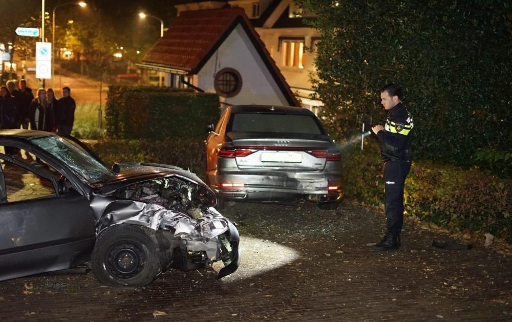 Hiện trường vụ tai nạn giữa chiếc Honda Civic và Audi A8