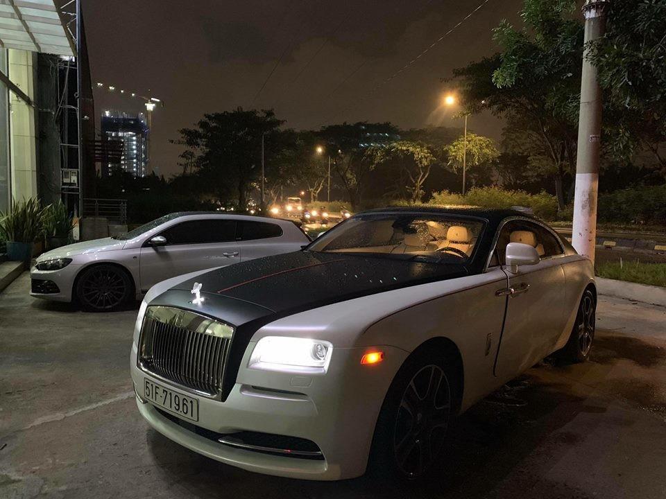 Rolls-Royce Wraith từng của Chủ tịch Trung Nguyên được chủ nhân mới độ logo phát sáng