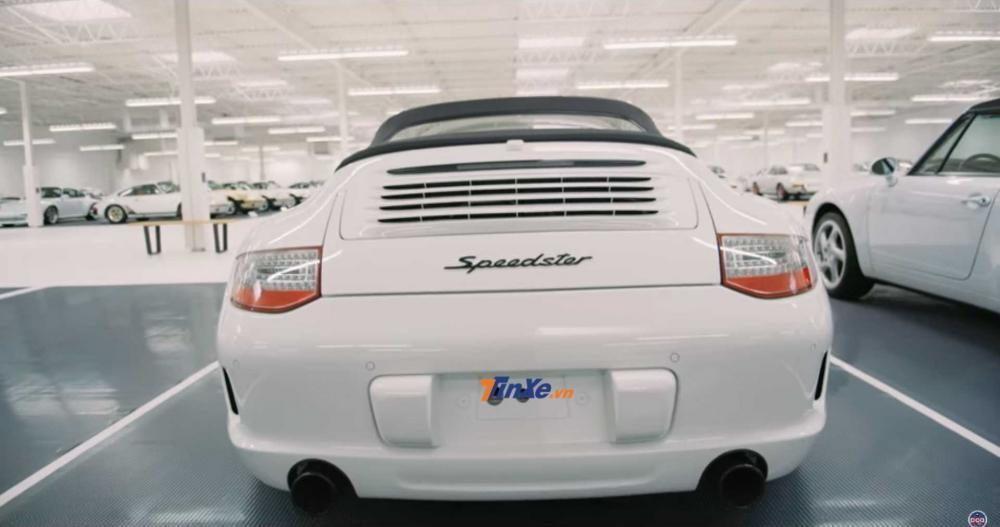 Đây được cho là bộ sưu tập xe Porsche lớn nhất thế giới hiện nay