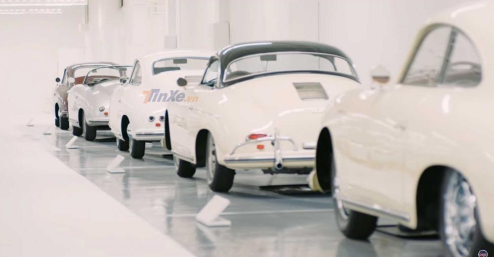 Một dàn xe Porsche 356 xếp hàng dài