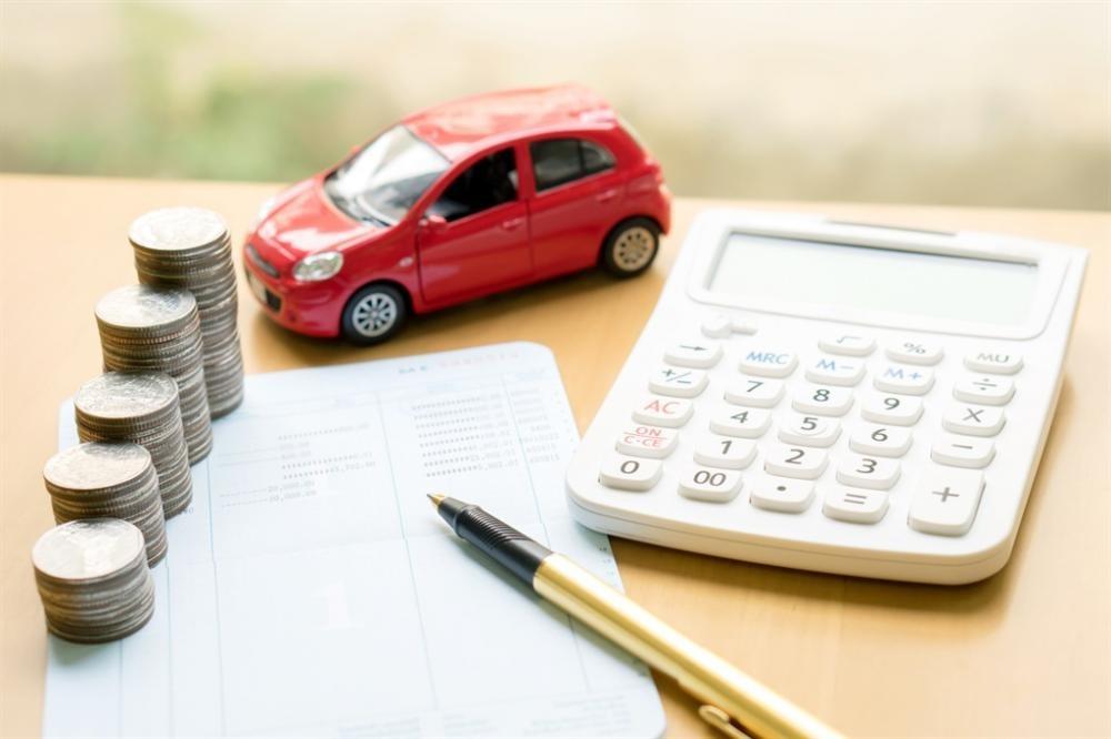 Tại sao ô tô khuyến mãi giảm giá nhưng vẫn không rẻ như mong đợi?