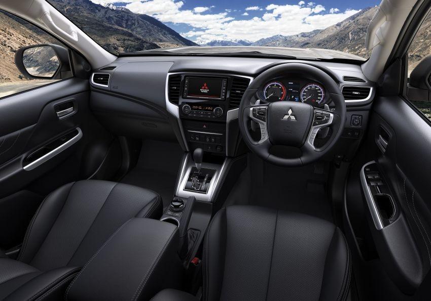Không gian nội thất bên trong Mitsubishi Triton 2019