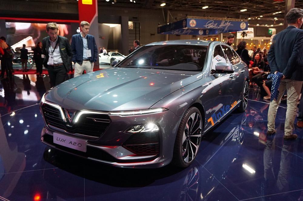 Cận ngày ra mắt, chiếc sedan VinFast Lux A2.0 về tới đất mẹ
