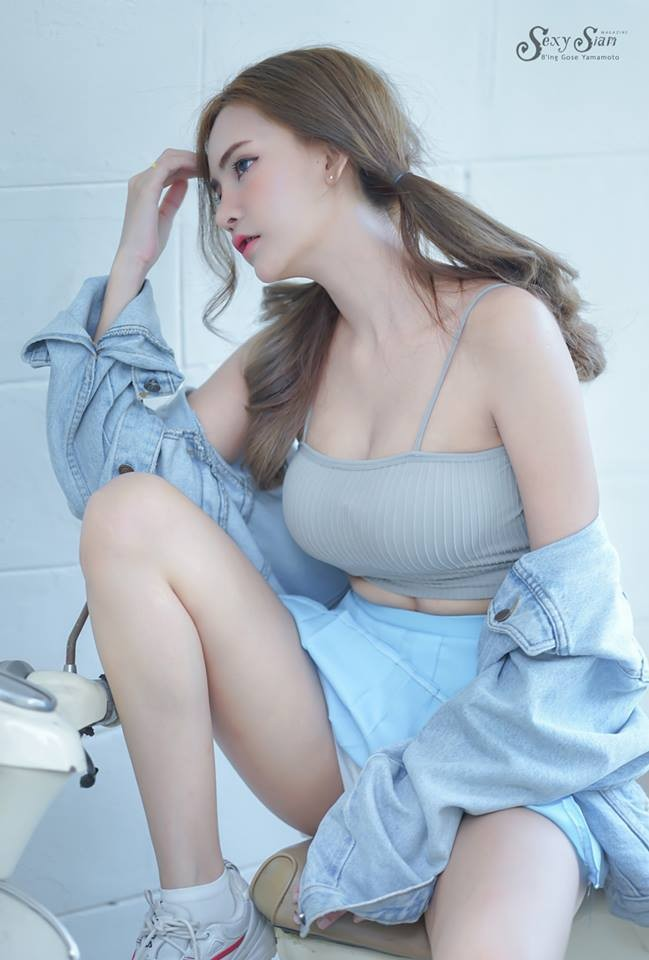 Người mẫu tạp chí Maxim Thái Lan xinh tựa thiên thần, khiến người nhìn si mê bên xế cổ - 3