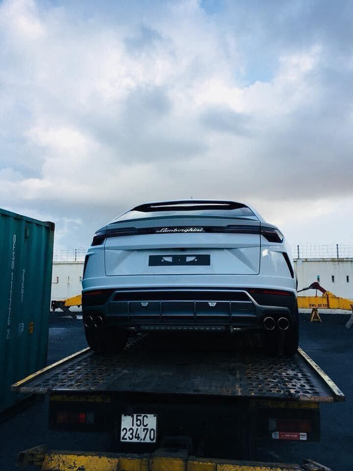 Theo một nguồn tin riêng của Tinxe.vn, số lượng siêu SUV nhà Lamborghini được khui công trong tháng này còn có 1 chiếc khác