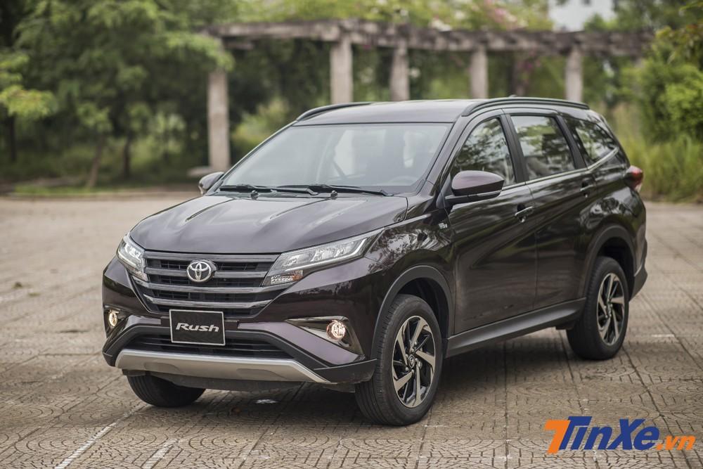 Toyota Rush vốn có tên gọi là Daihatsu Terios nhưng hiện nay đang được biết đến là Tiểu Fortuner.