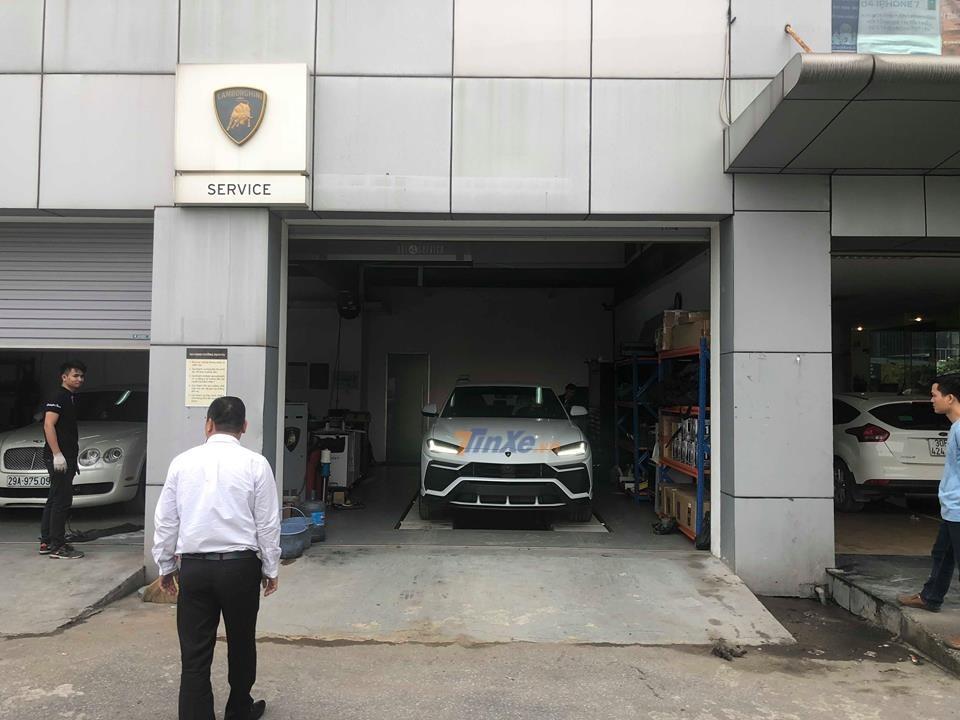 Chiếc xe này được nhập khẩu chính hãng