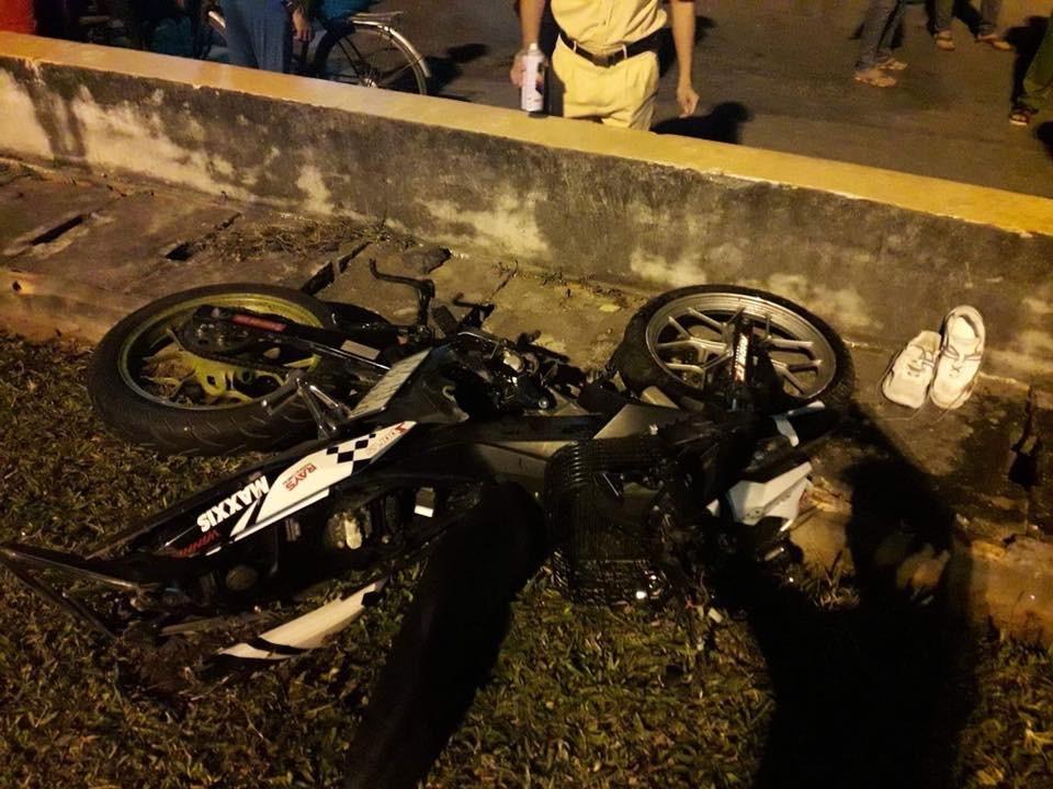Honda Winner 150 gặp tai nạn bị hư hỏng nặng nề