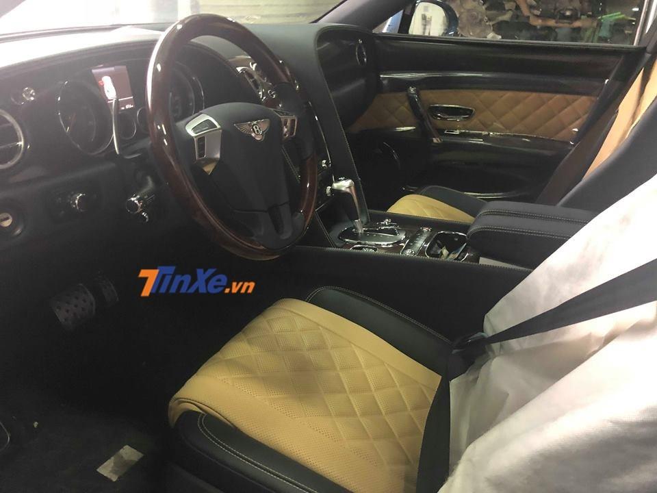 Nội thất Bentley Flying Spur V8 S đầu tiên về Việt Nam mang 2 tông màu là đen và vàng cát
