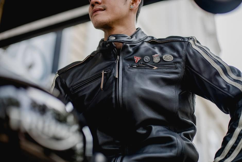 Ngoài trưng bày và bảo dưỡng xe, showroom còn có store bán quần áo, phụ kiện cho các biker