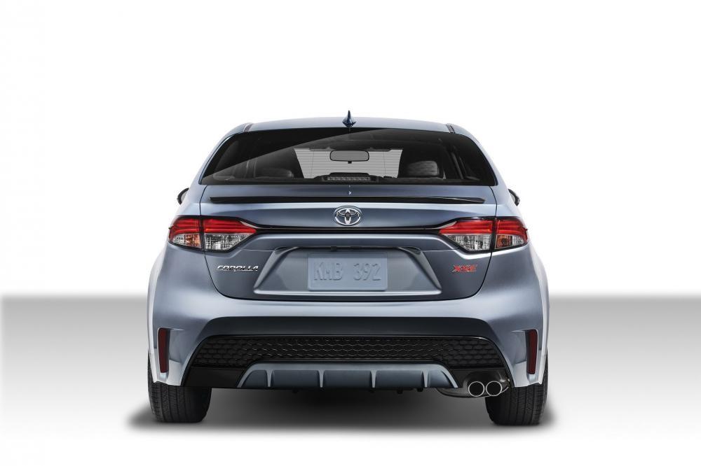 Toyota Corolla Sedan 2020 có cả bộ khuếch tán sau