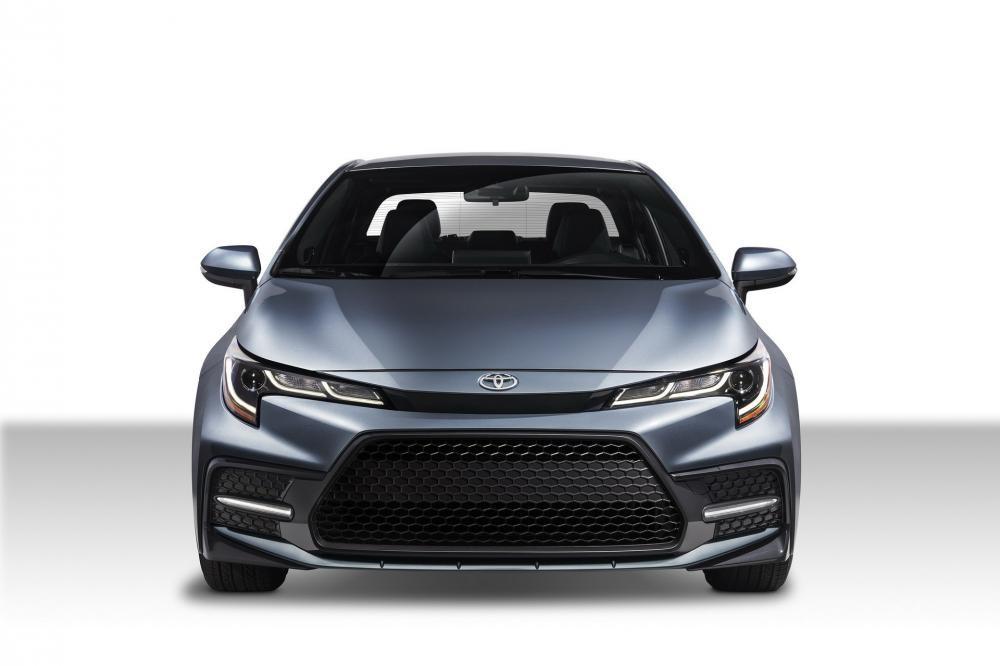 Cận cảnh thiết kế đầu xe của Toyota Corolla Sedan 2020