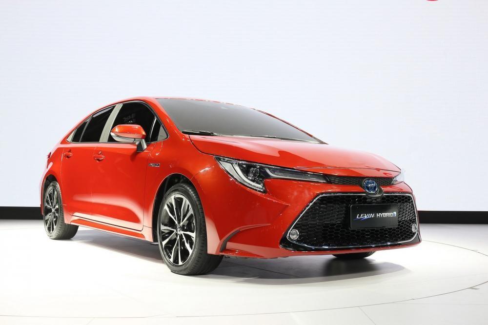 Cụm đèn pha của Toyota Levin 2019 có tạo hình khác xe ở Mỹ