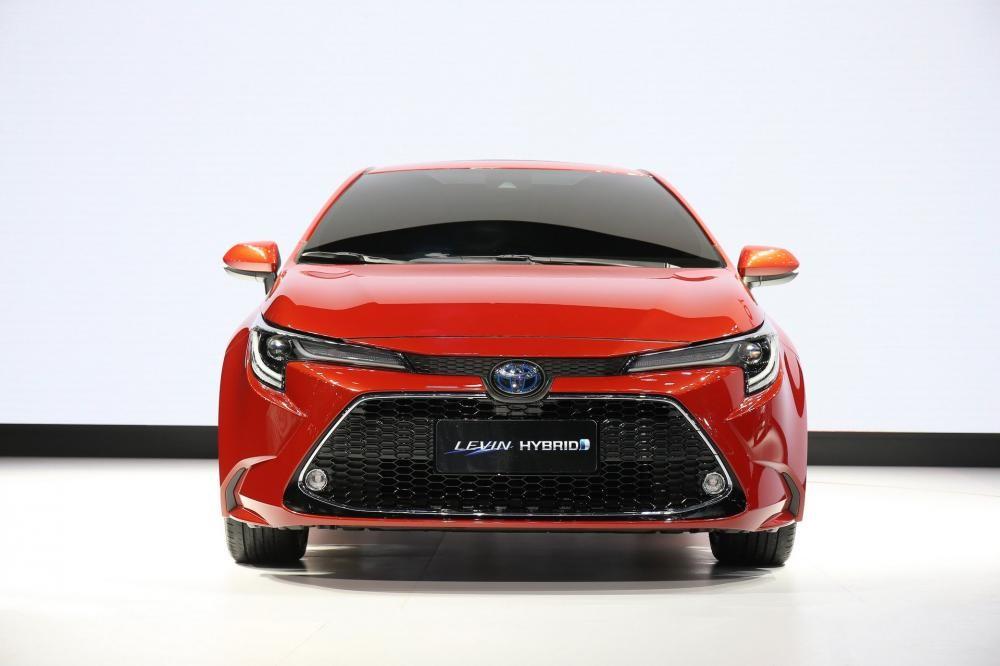 Cận cảnh thiết kế đầu xe của Toyota Levin 2019