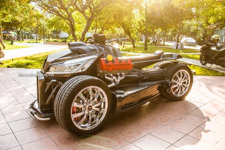 Tương tự như Lazareth Wazuma, chiếc QuadBull có ngoại hình rất lớn, nổi bật với bộ lazăng ô tô, cặp đèn pha lớn và động cơ lộ ra ngoài