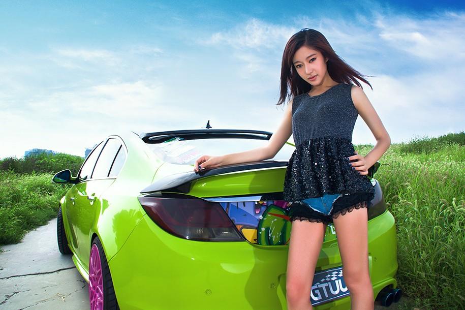 Hot girl Uyển Đình khoe sắc đẹp khỏe khoắn bên chiếc Buick độ xanh mướt - 1