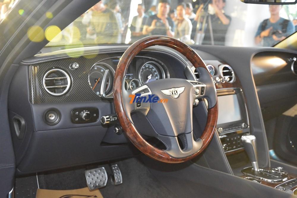 Hãng Bentley mang đến tổng cộng 8 tùy chọn gỗ ốp cho Flying Spur V8 S