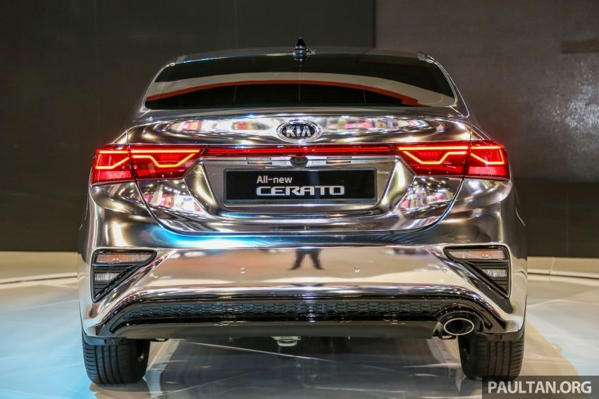 Đằng sau Kia Cerato 2019 xuất hiện cụm đèn hậu mới