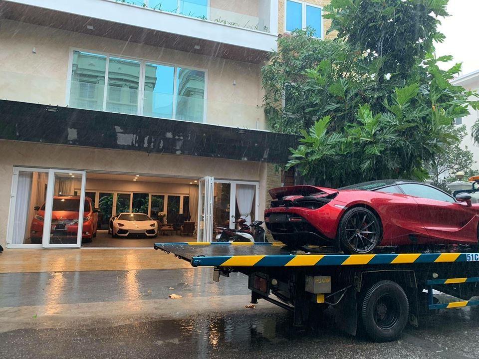 Siêu xe McLaren 720S có mặt tại Sài thành trong buổi chiều mưa gió của bão Usagi