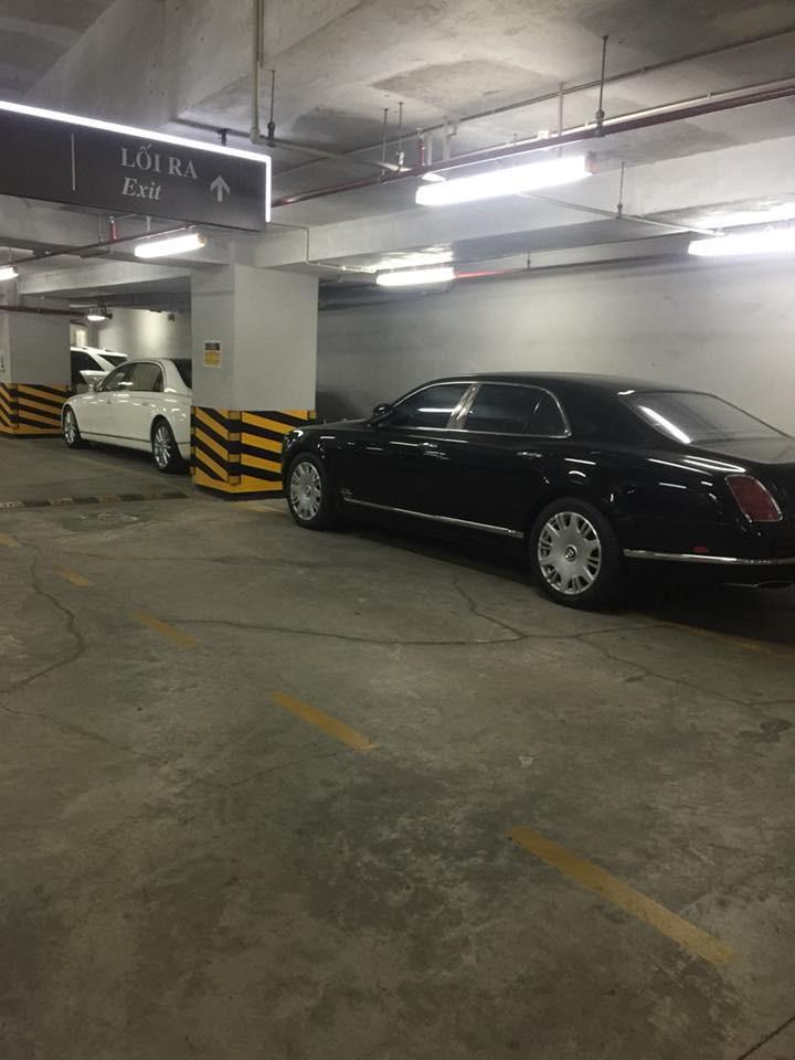 Bentley Mulsanne màu đen và chiếc phía trước là Maybach 62S