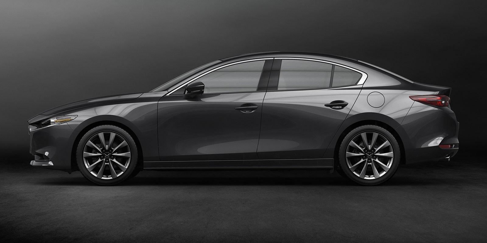 Mazda3 2019 bản sedan với đường mạ crôm nằm sát nóc