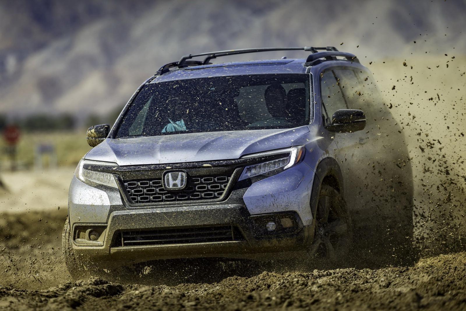 Với khả năng chạy cả trên đường phố lẫn off-road, Honda Passport 2019 chính là mẫu crossover giúp chủ nhân có thể vừa làm vừa chơi
