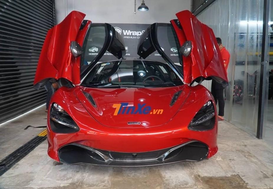 Vẻ đẹp của McLaren 720S màu đỏ