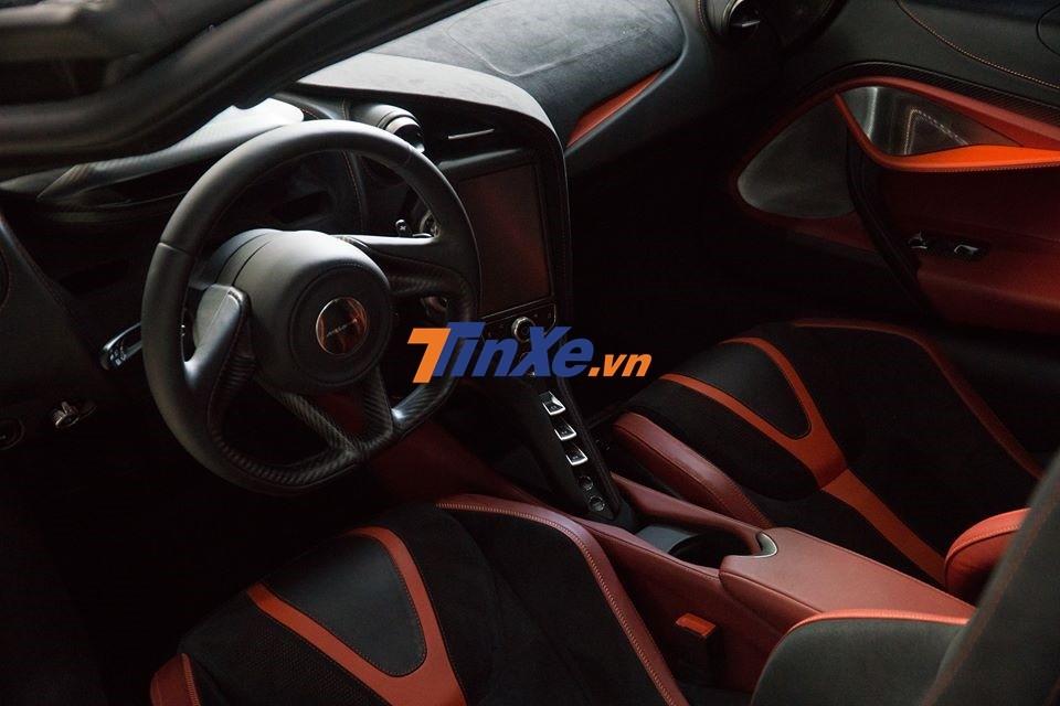 McLaren 720S sử dụng động cơ V8, tăng áp kép, dung tích 4.0 lít