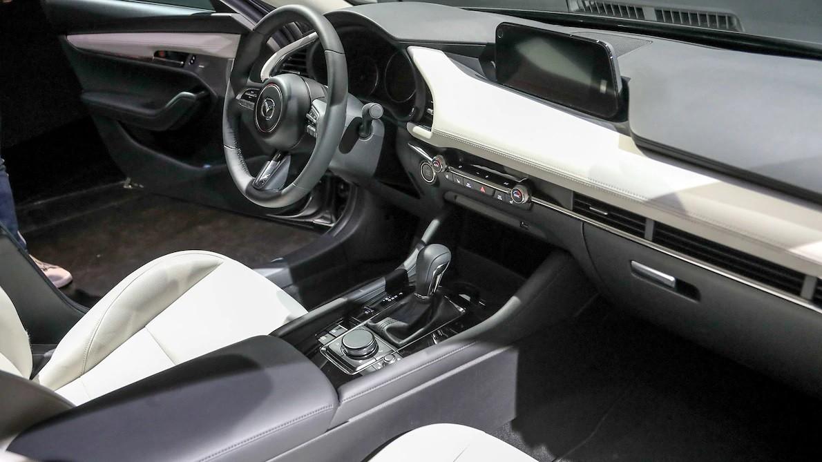 Nội thất bên trong Mazda3 2019