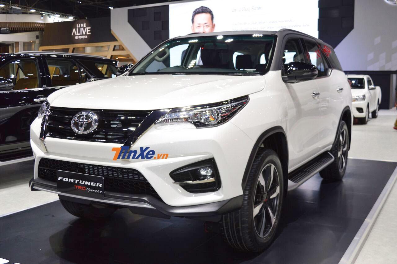 Toyota Fortuner TRD Sportivo 2 chính thức ra mắt tại Thái Lan