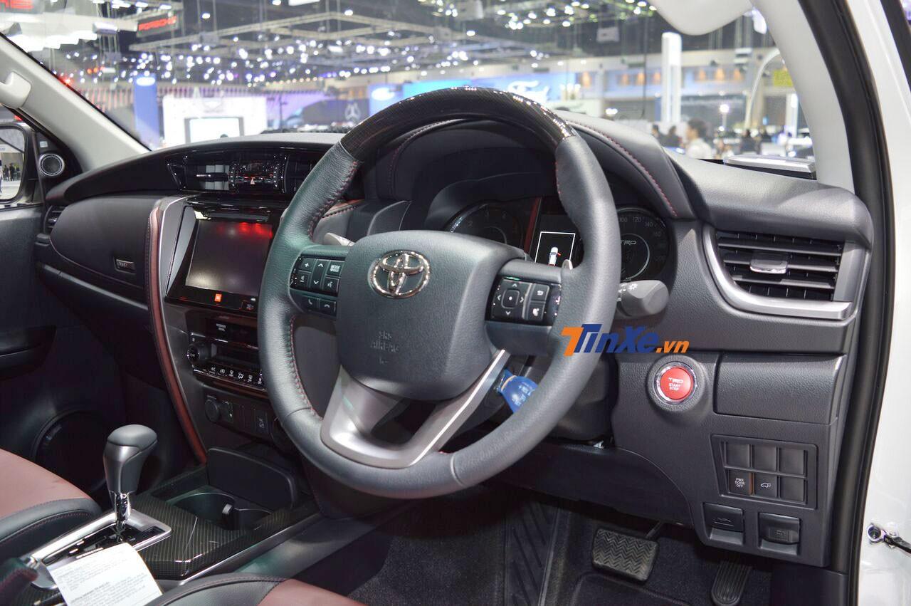 Toyota Fortuner TRD Sportivo 2 có trang bị nội thất khá đầy đủ