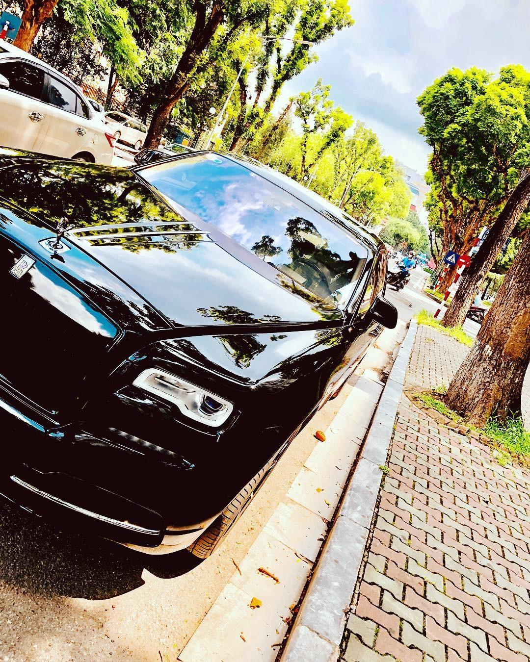 Rolls-Royce Ghost của MC Ngọc Trinh